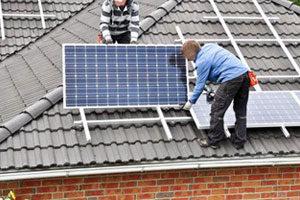 installation_panneaux_solaires